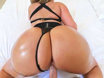 MILF Eva Notty's Oily Crack Jack, Fuck & BJ