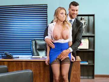 Britney Amber reasons her manager by deepthroating his dick in the office